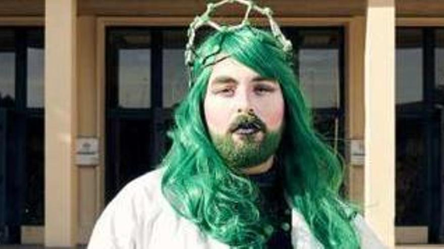 Una drag queen asturiana divulga ciencia en Youtube