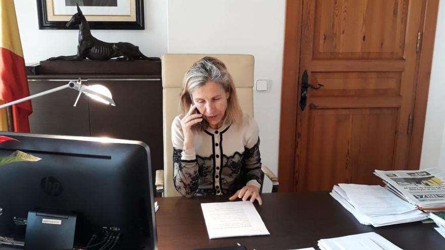 """La alcaldesa de Santa Eulària, Carmen Ferrer, pide """"esfuerzo máximo"""" para evitar la huelga del servicio de limpieza en Ibiza"""