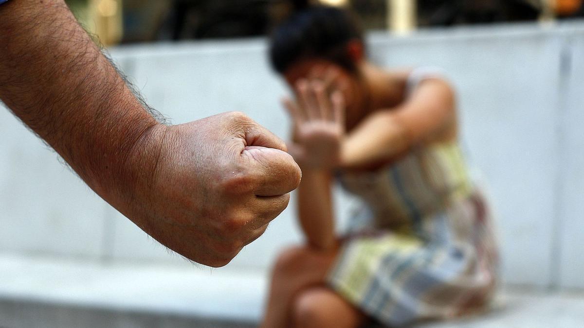 La mujer sufrió constantes vejaciones, golpes e insultos durante unos seis años de la relación de pareja.