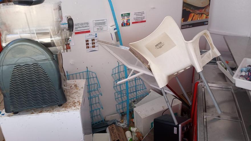 Los chiringuitos saqueados en la Malva-rosa cifran en unos 15.000 euros los destrozos