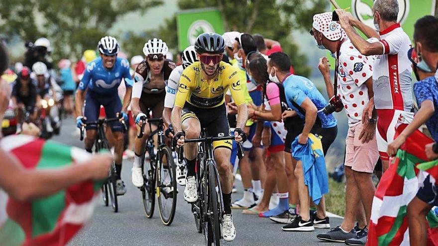 Tour Adam Yates conserva el lideratge en la primera etapa pels Pirineus