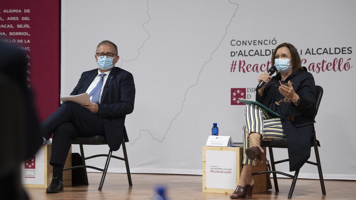 El presidente de la Diputación, José Martí, junto a la diputada provincial de Transparencia, Xaro Miralles.
