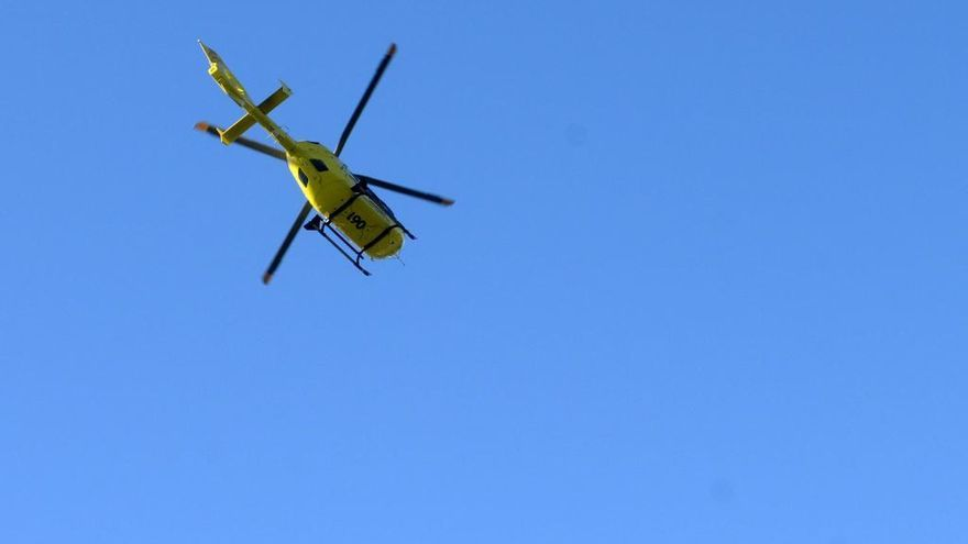 Evacuada en helicóptero una mujer tras resultar herida en un accidente de tráfico en Amoeiro
