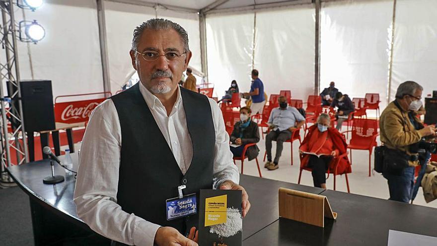 """Magaz, en la """"Semana negra"""", con su libro sobre el narcotráfico y el cibercrimen"""