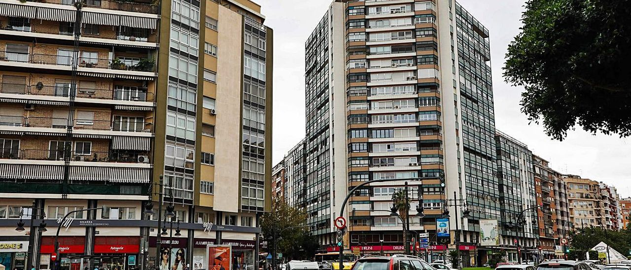 Fincas residenciales de la plaza de España.   M.A.MONTESINOS
