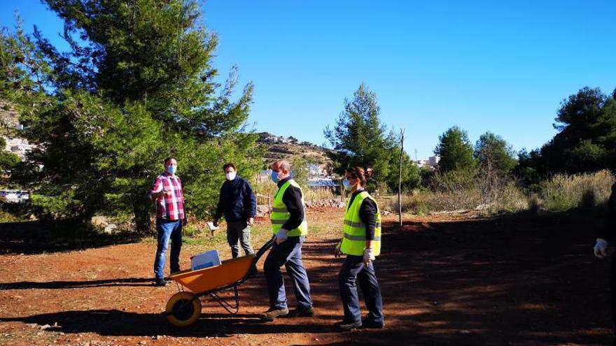 'La Panderola' visita en la Vall el paraje de Sant Josep