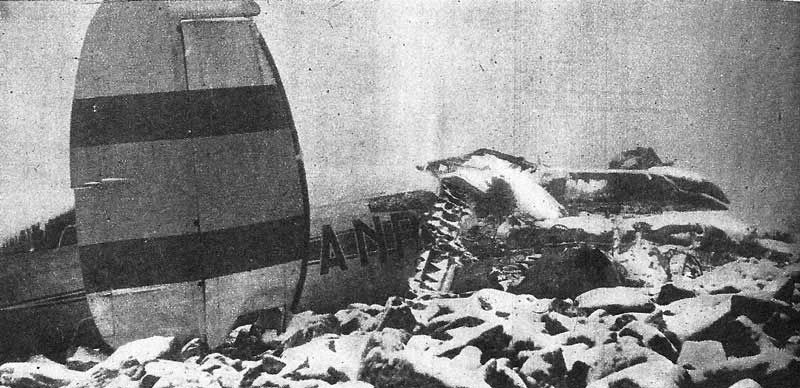 """Restos el avión tras colisinar contra la rodilla de """"La Mujer Muerta"""""""