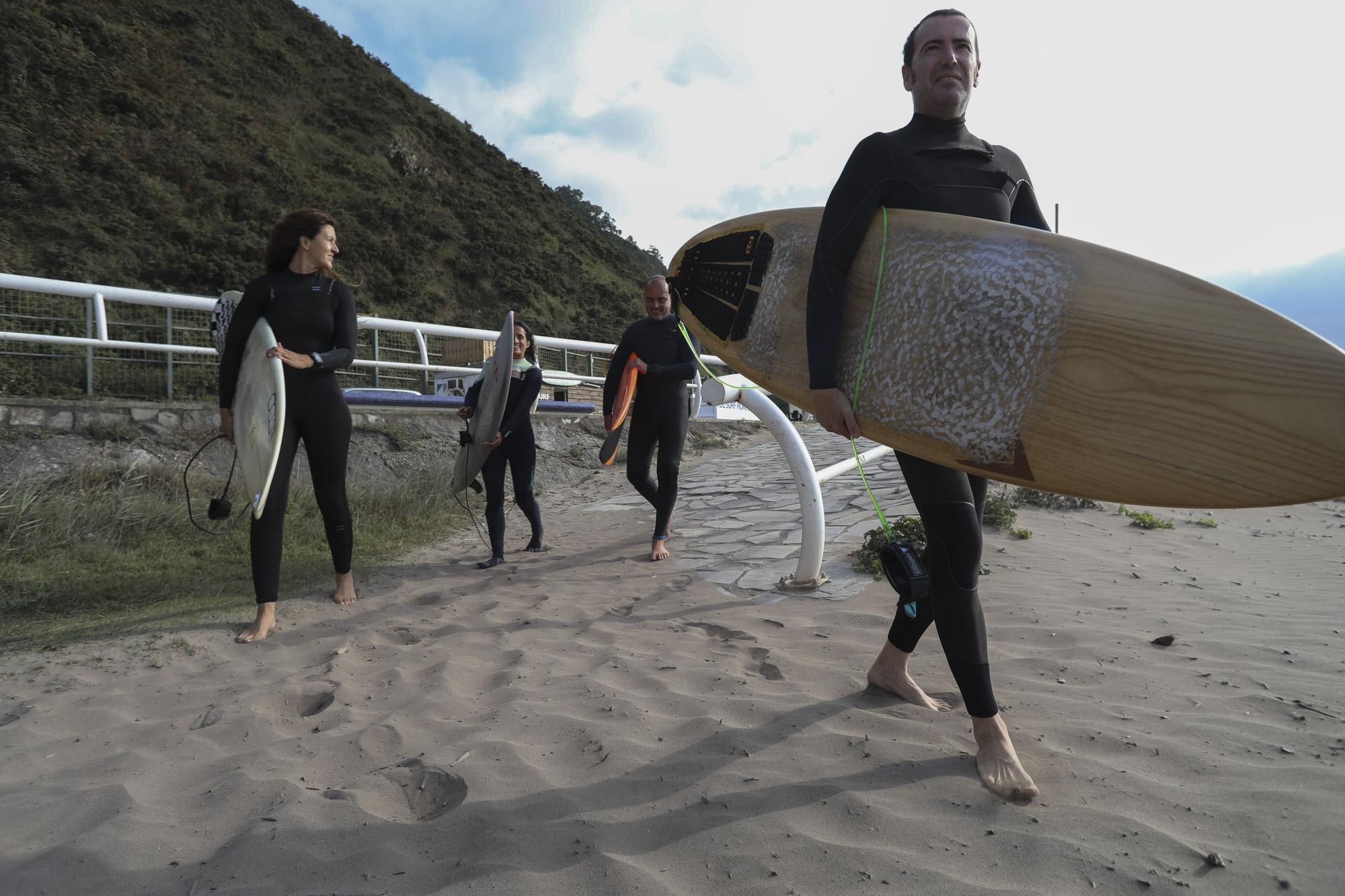 Surf para todas las edades en Los Quebrantos