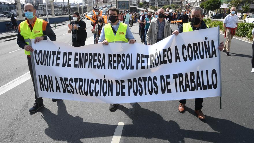 Los trabajadores de Repsol, en defensa de sus puestos de trabajo