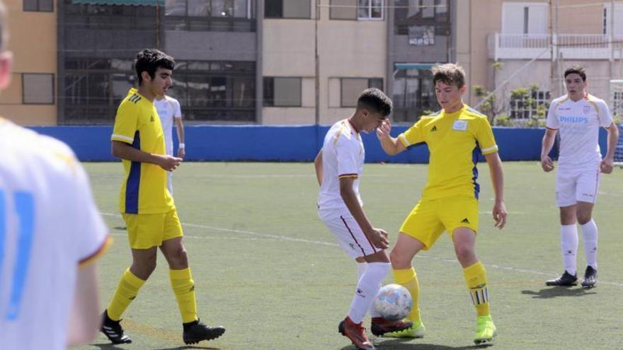 Partido de fútbol base, nacional sub-16: Canarias-Murcia