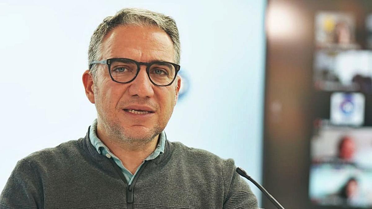 El presidente del PP de Málaga, Elías Bendodo, en la reciente Junta Directiva Provincial. | L. O.