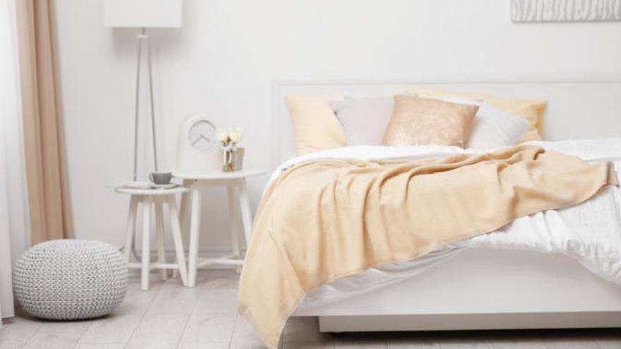 El remedio casero para quitar el amarillo de las almohadas de forma fácil
