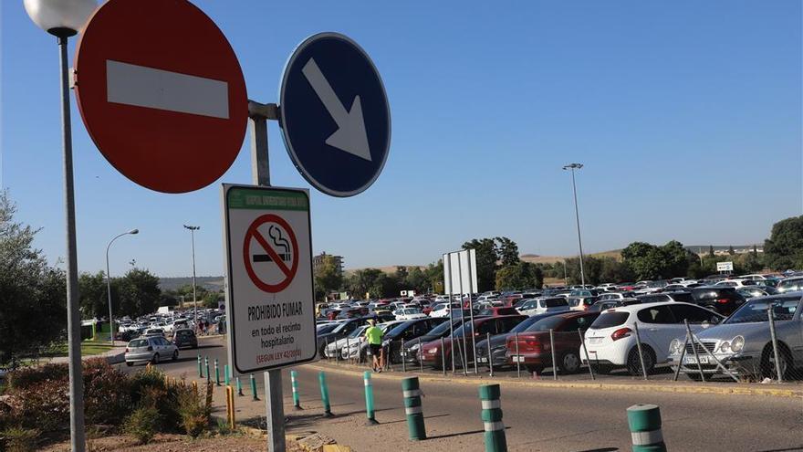 La plataforma Aparcamientos Reina Sofía dice que la empresa del parking ganará medio millón de euros