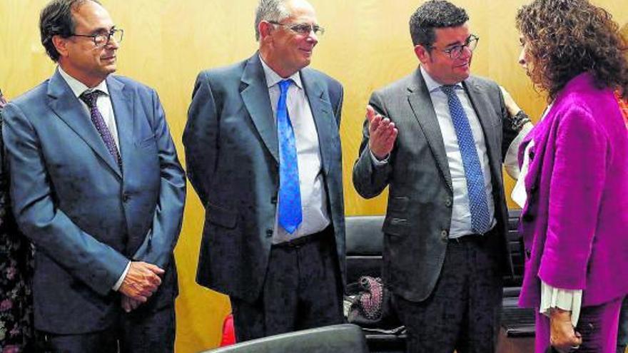 Expertos foráneos avalan que la infrafinanciación castiga a los valencianos