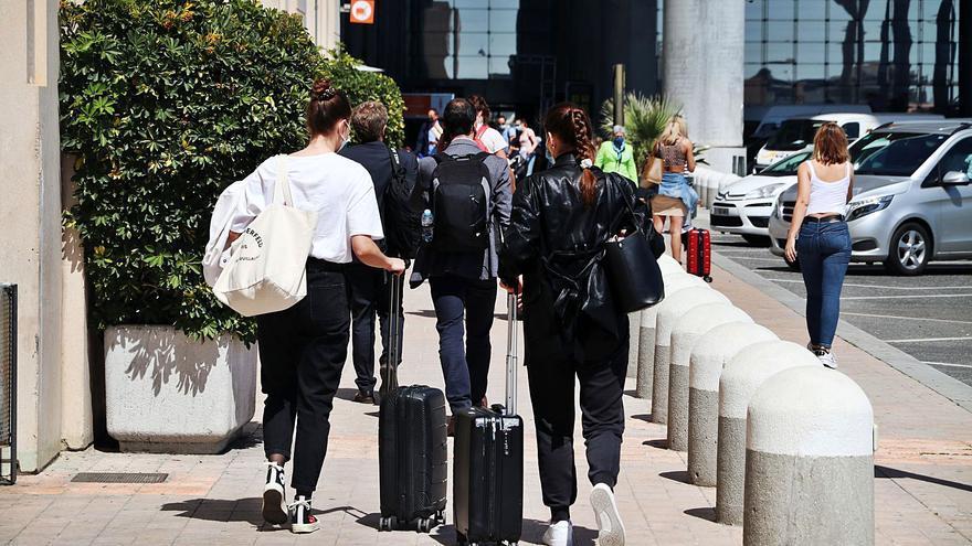 Las reservas hoteleras se frenan en agosto pese a la sobresaliente recuperación del sector en junio