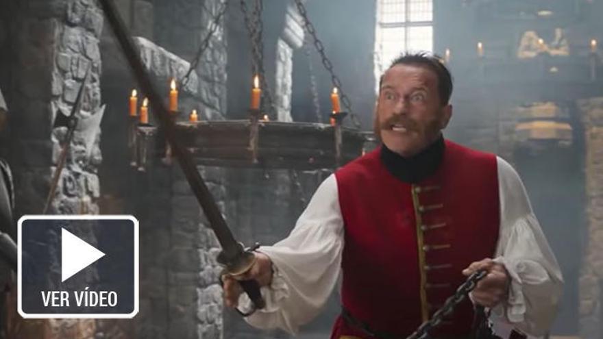 Duelo Jackie Chan - Schwarzenegger en el loco tráiler de 'The Iron Mask'
