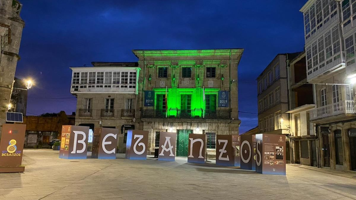 Betanzos, de verde en señal de apoyo a los que plantan cara al Covid-19