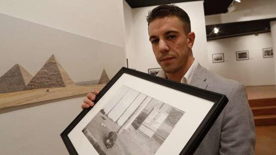 Guillermo Suárez Llana inaugura una muestra de 32 fotografías sobre Egipto