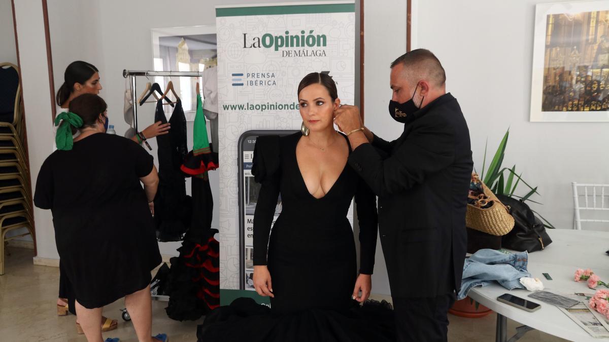 Preparativos de la exposición 'Héroes con volantes' de moda flamenca de Málaga de Moda
