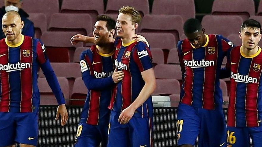 Messi tira del Barcelona para superar al Elche y apretar LaLiga