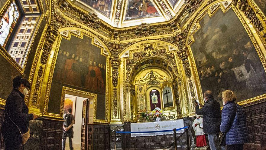 Los peregrinos adelantan la visita al santuario para cumplir con las restricciones el día de Santa Faz