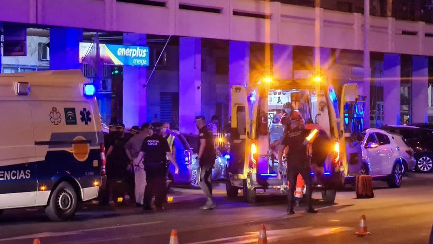 La joven atropellada en la avenida de las Ollerías continúa grave en la uci del Reina Sofía