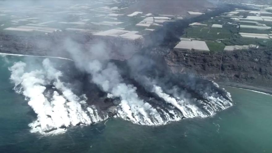 Una nova boca s'obre a la fractura principal del volcà de La Palma