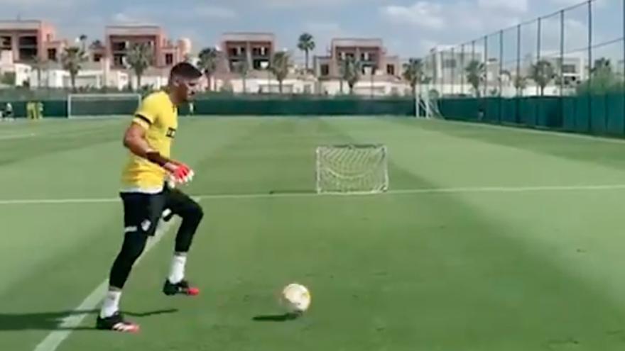 Kiko Casilla ya entrena con el Elche