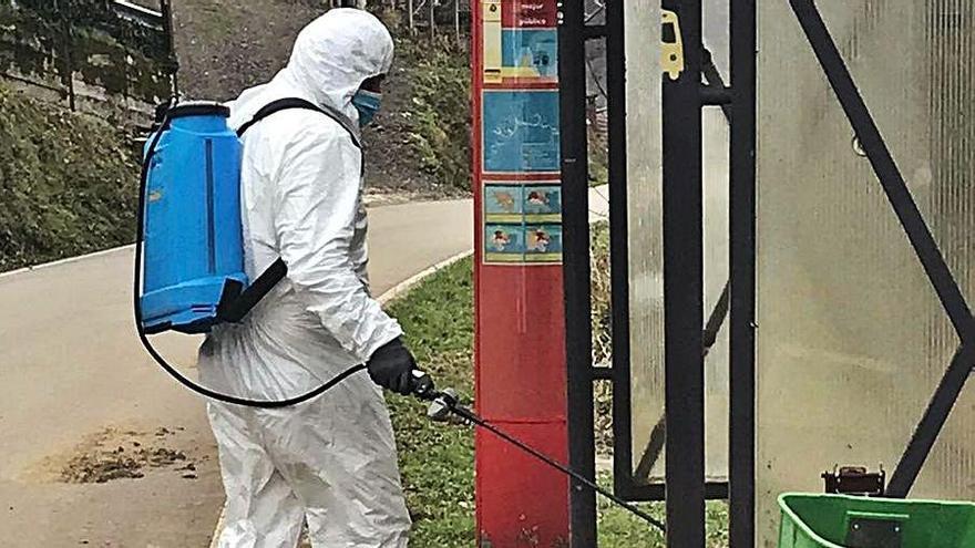 Refuerzo en la limpieza y desinfección en las zonas rurales de Laviana