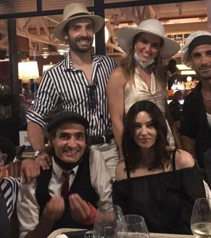 Monica Bellucci se divierte en familia en Barcelona
