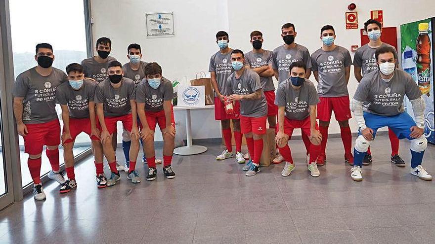 El 5 Coruña apoya la campaña del Banco de Alimentos