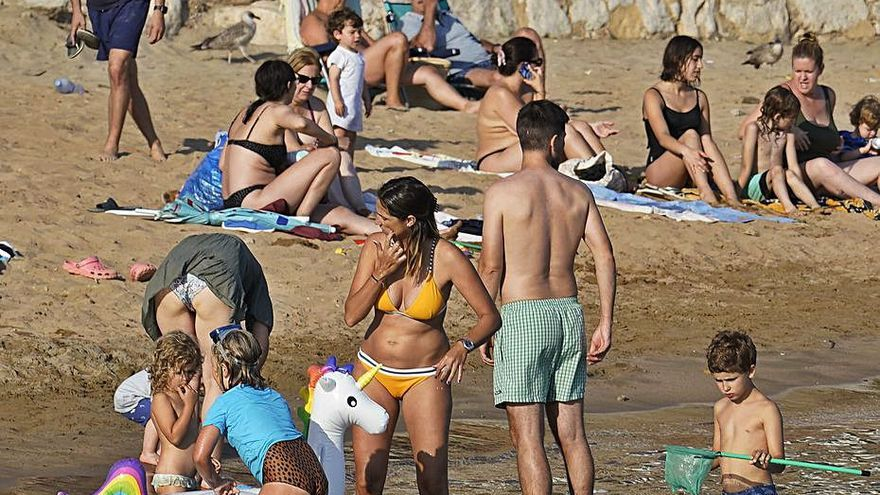 Demanen un rescat per al turisme, l'oci i el comerç