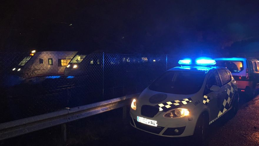 Un tren Santiago-Vigo descarrila en Pontevedra