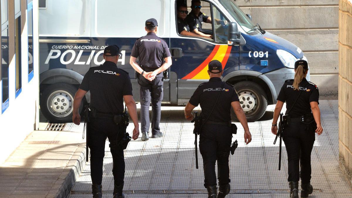 Desarticulan una organización criminal dedicada al tráfico de drogas en Canarias