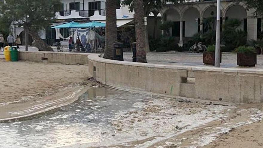 Wieder Schmutzwasser an den Stränden von Port de Pollença
