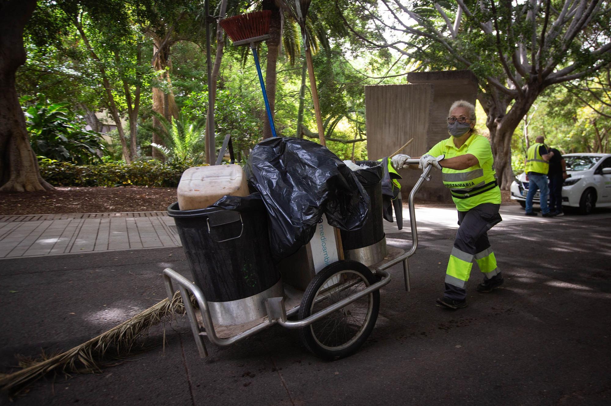 Presentación de los nuevos vehículos del servicio de limpieza municipal