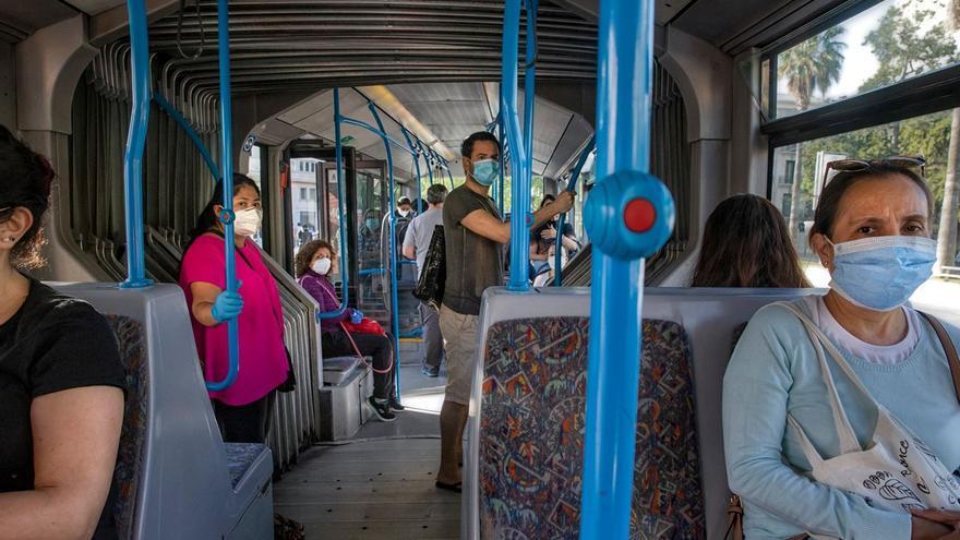 La EMT reduce a un tercio la ocupación de los autobuses debido a la pandemia