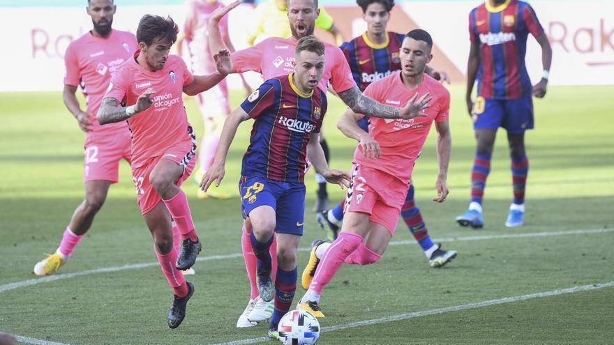El Alcoyano no puede con un Barça B muy superior (2-1)
