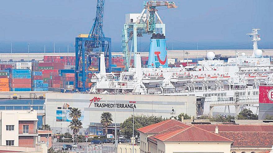 Armas Trasmediterránea consigue un pacto con los bonistas para refinanciar su deuda