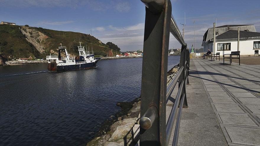 El Puerto activa el dragado al perder un metro de calado parte del canal de la ría
