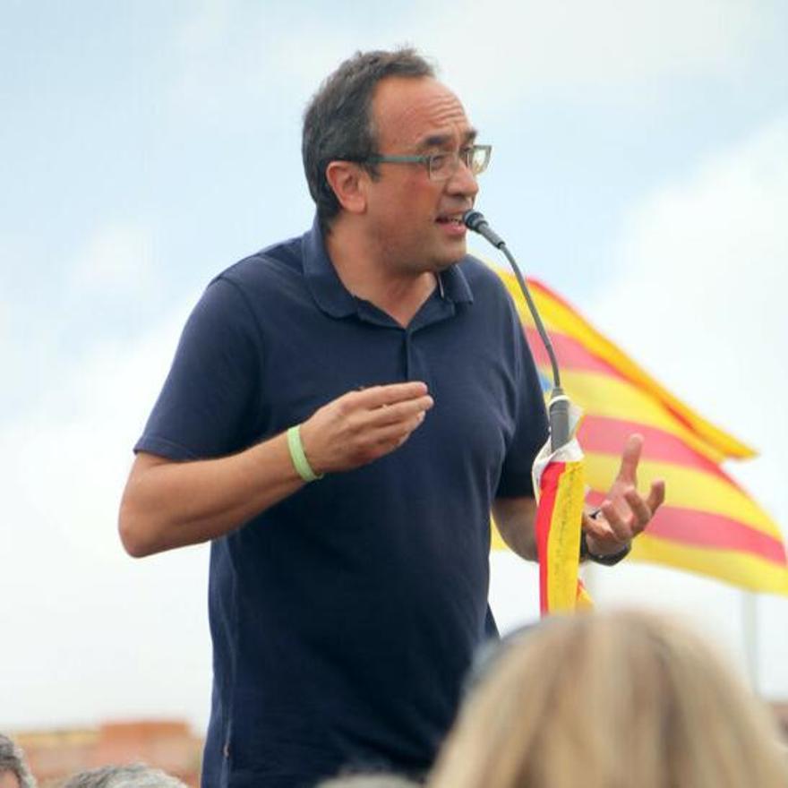 Josep Rull durant els parlaments a les portes de Lledoners.JPG