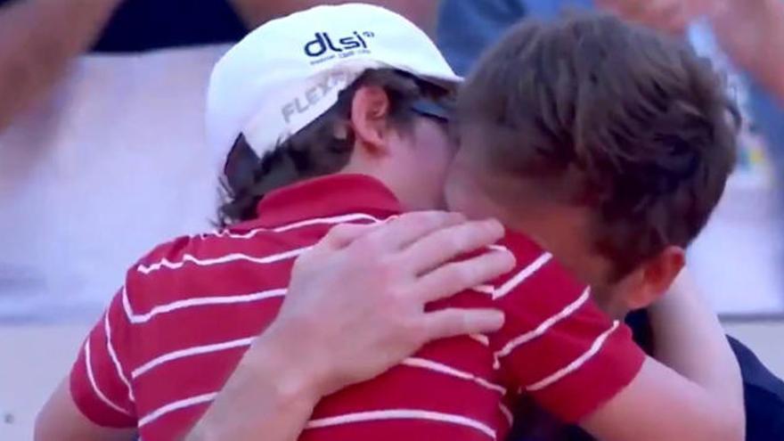 El emotivo abrazo de Mahut con su hijo tras perder en Roland Garros