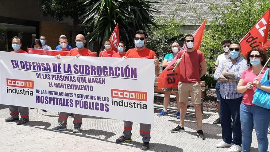 La plantilla de mantenimiento del Hospital Vega Baja se moviliza para preservar los puestos de trabajo