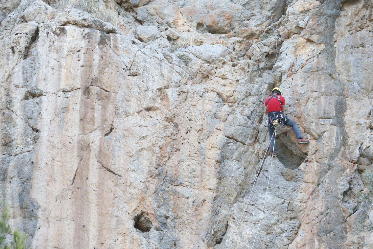 Bombers de Mallorca y SAMU 061 realizan una formación para atender rescates de montaña extremos