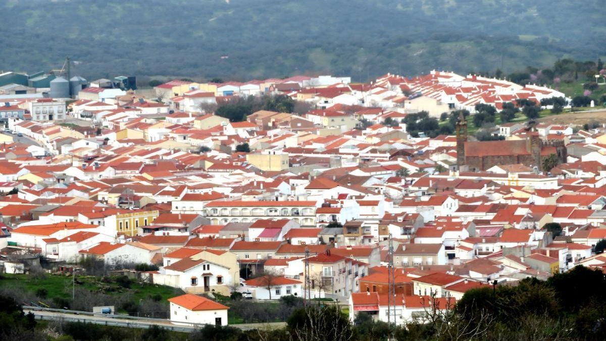 Monesterio pone en marcha su campaña anual de limpieza y vallado de terrenos y solares