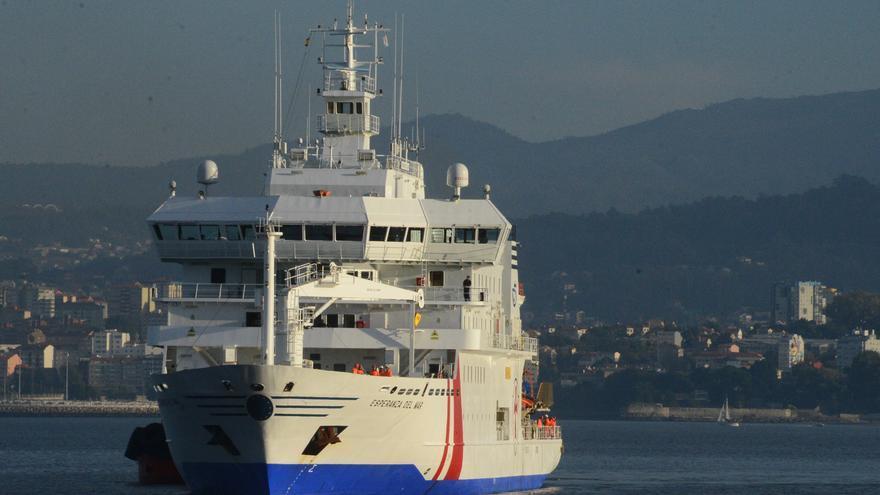 """Pendiente de confirmar con PCR un brote en el buque hospital """"Esperanza del Mar"""", fondeado en la ría de Vigo"""