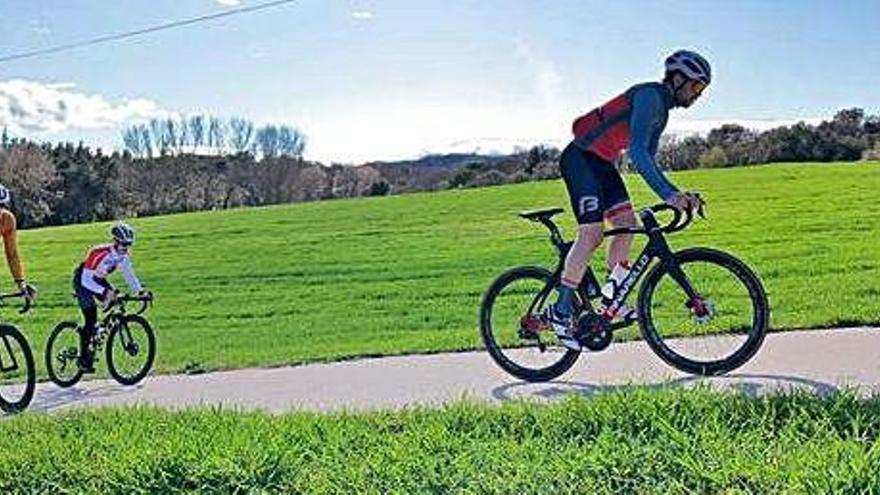 Una empresa gironina aposta per oferir un servei integral als turistes amants del ciclisme