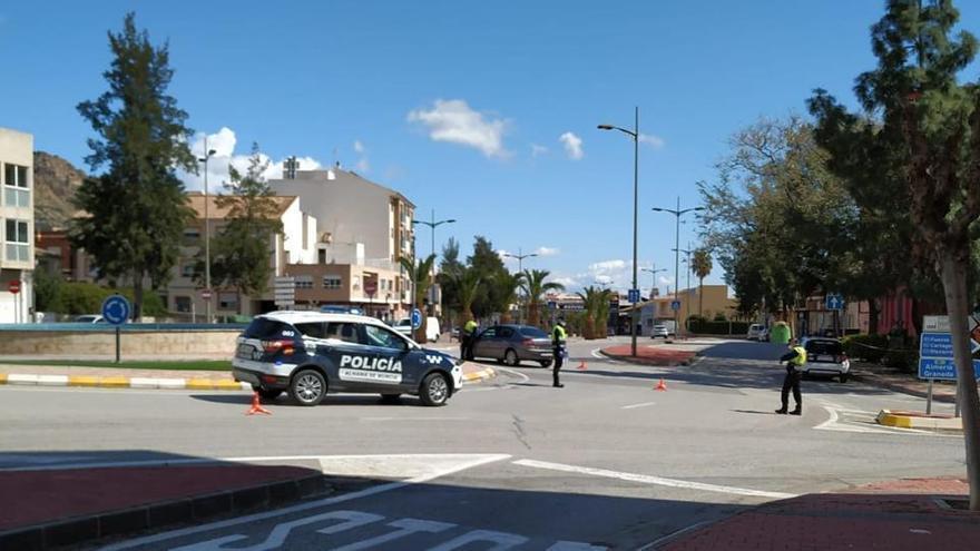 Murcia cierra la región e impide la movilidad