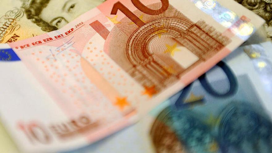 El número de 'ricos' de Canarias cae un 80% en la última década