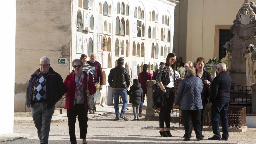 Xàtiva cierra el viernes al tráfico el vial del cementerio